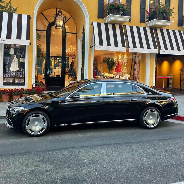 Tay đấm Floyd Mayweather mua Mercedes-Maybach S 580 - Xe sang nhiều người mong ước nhưng chỉ ''lót đường'' trong bộ sưu tập siêu xe xa xỉ - ảnh 1