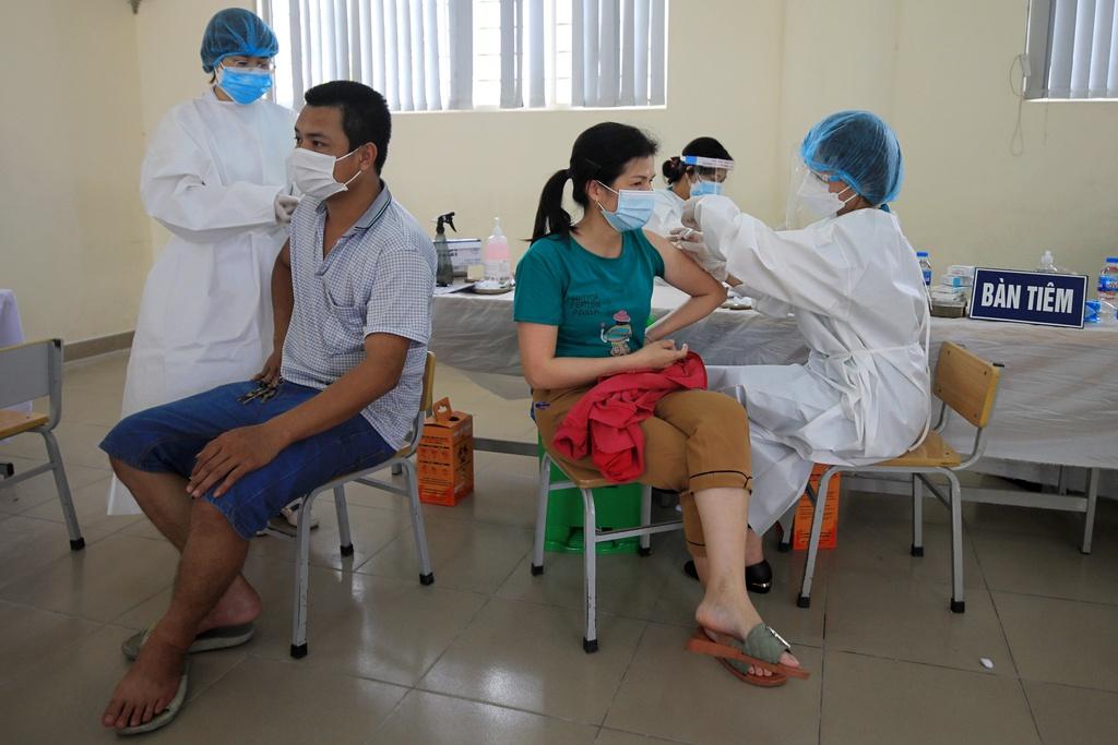 Hà Nội đồng loạt tiêm vắc xin Sinopharm tại các phường, xã - ảnh 7