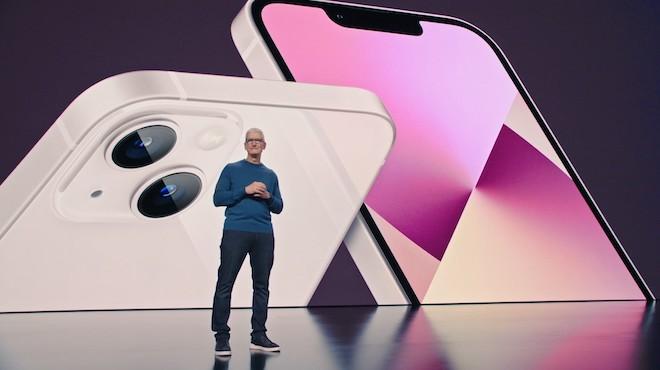 Tuyển kỷ lục 10.000 nhân công một ngày, nhà máy Foxconn chạy hết tốc lực để sản xuất iPhone 13 - ảnh 1