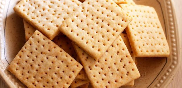 Tại sao trên bánh quy có những lỗ nhỏ? Lý do quá bất ngờ! - ảnh 1