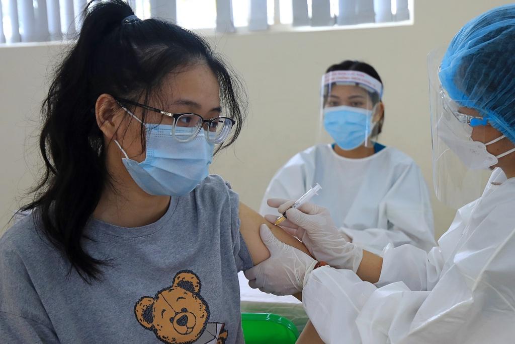 Hà Nội đồng loạt tiêm vắc xin Sinopharm tại các phường, xã - ảnh 5