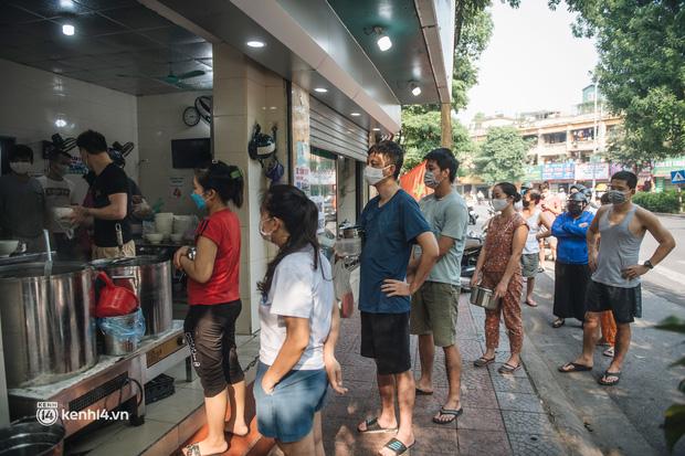 CHÍNH THỨC: Hà Nội công bố 19 quận, huyện, thị xã được bán hàng ăn, uống mang về từ 12h ngày 16/9 - ảnh 1