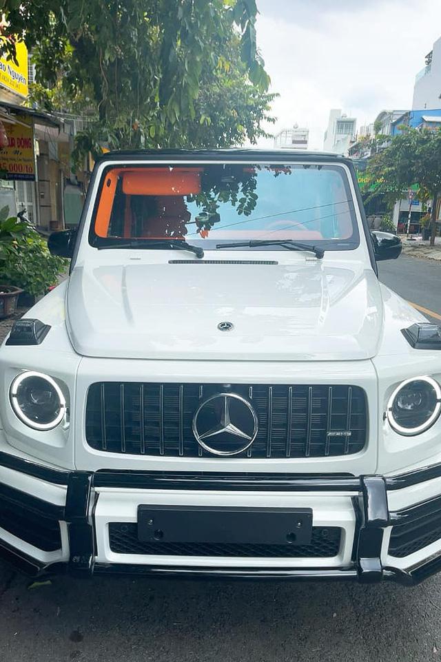 Nữ doanh nhân Bến Tre mua Mercedes-AMG G 63 với nội thất ''Hermes'' giống xe Đoàn Di Băng về làm cặp với Porsche 718 - ảnh 7