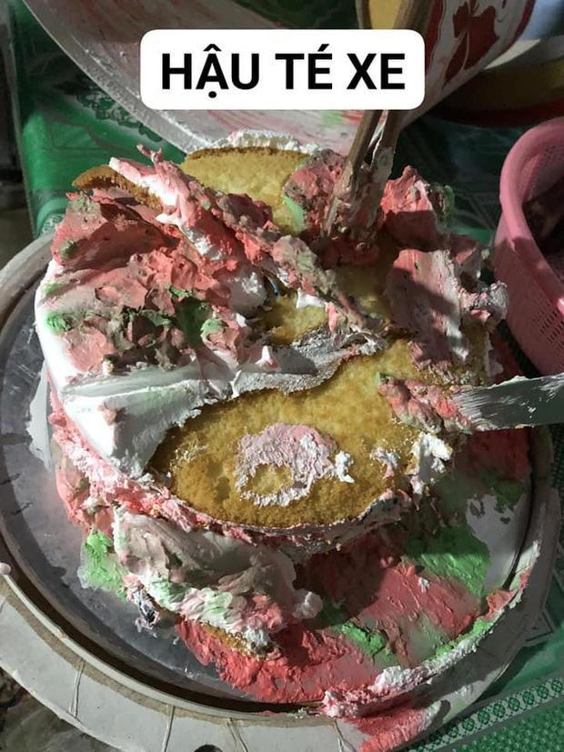 Cười ngã ngửa chiếc bánh sinh được phục chế sau khi té xe - ảnh 2