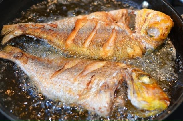 Những sai lầm nghiêm trọng khi ăn cá, hủy hoại cơ thể bạn - ảnh 2
