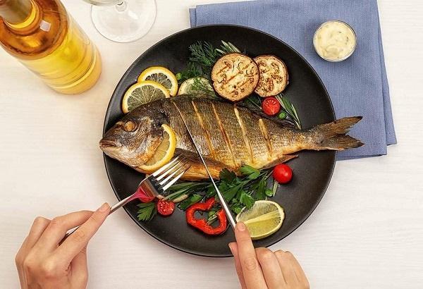 Những sai lầm nghiêm trọng khi ăn cá, hủy hoại cơ thể bạn - ảnh 1