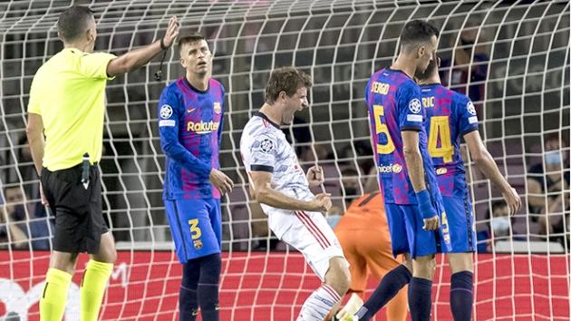 Sếp lớn họp khẩn, sự hoảng sợ bao trùm Barcelona - ảnh 1