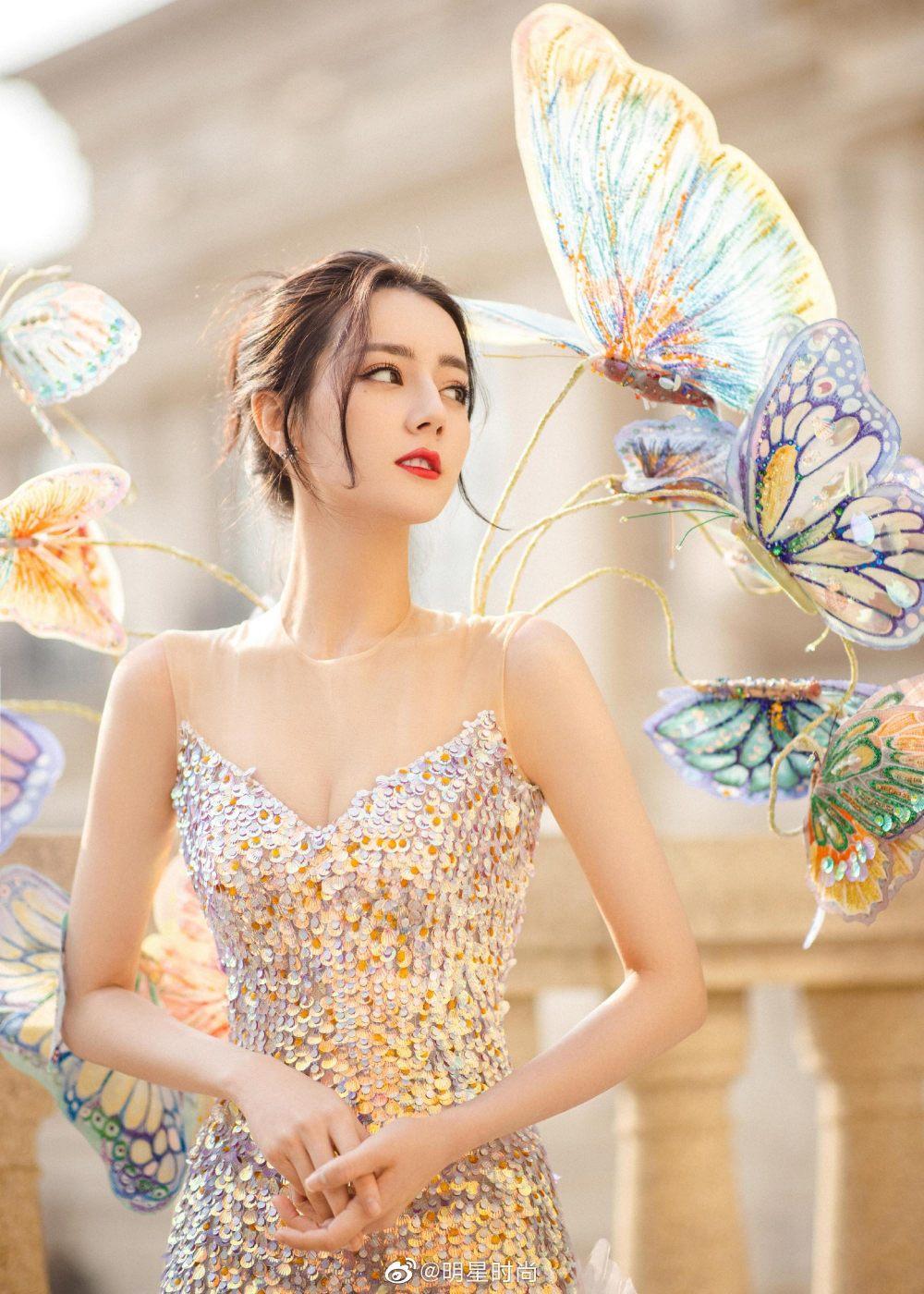 Địch Lệ Nhiệt Ba diện váy dạ hội đẹp như nữ thần - ảnh 11