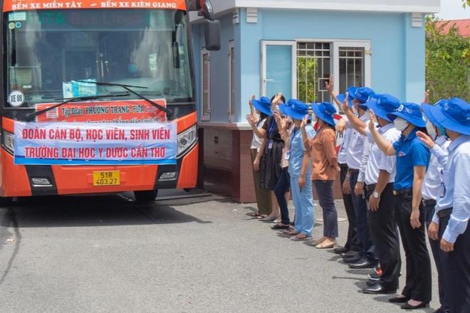 630 tình nguyện viên từ Cần Thơ chi viện Kiên Giang chống dịch - ảnh 1