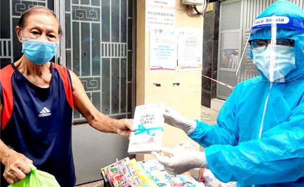 Hội Xuất bản Việt Nam thực hiện chương trình ''Sách trao tay, học ngày giãn cách'' - ảnh 5