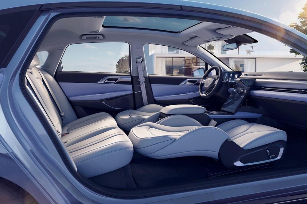 Chỉ nhờ 1 thứ dưới kính chắn gió, chiếc xe Trung Quốc giá chỉ 560 triệu đã vượt mặt một loạt 'ông lớn' thế giới – Tesla cũng 'chào thua'! - ảnh 8