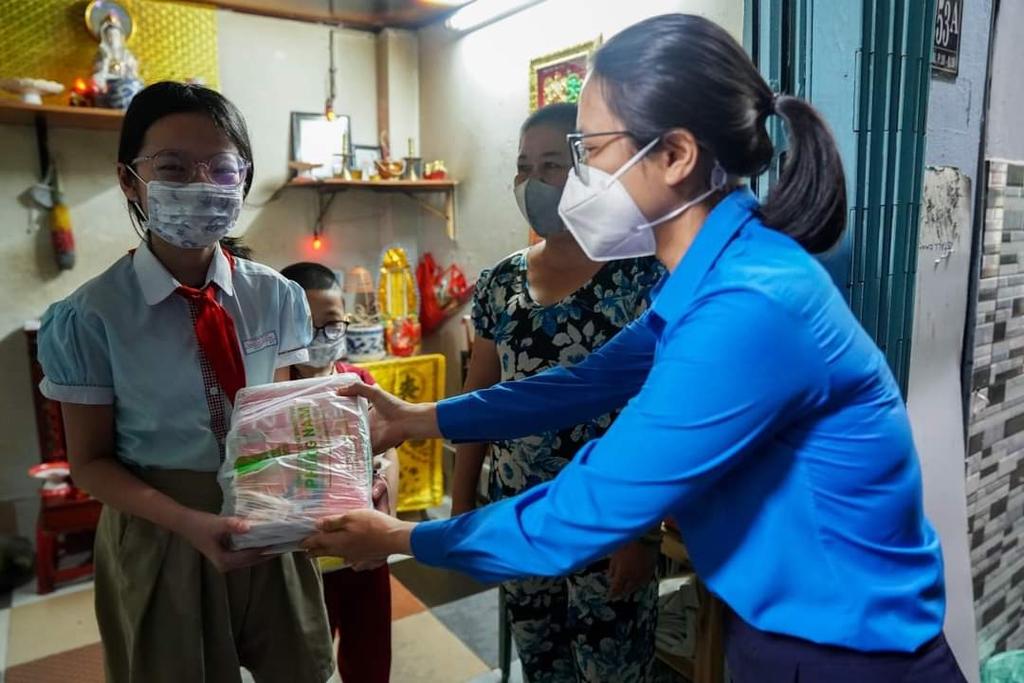 Hội Xuất bản Việt Nam thực hiện chương trình ''Sách trao tay, học ngày giãn cách'' - ảnh 3