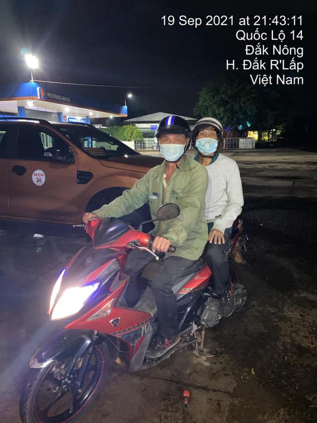 Đi 300km về chịu tang cha, 2 anh em xin qua chốt kiểm dịch và cuộc gặp bất ngờ trong đêm - ảnh 7