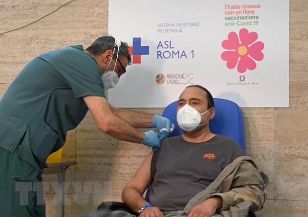 Anh-Hàn trao đổi hơn 1 triệu liều vaccine, Italy sẽ tiêm mũi thứ 3 - ảnh 2