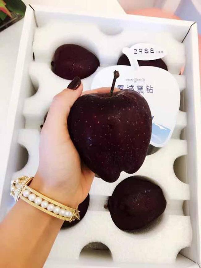 Tận mục giống táo ví như 'kim cương đen', nửa triệu đồng/quả - ảnh 6