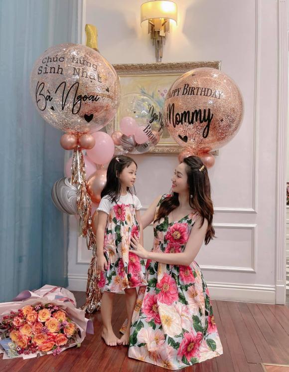 Trà My, Thanh Tú tổ chức sinh nhật cho mẹ, nhan sắc trẻ trung của 2 nàng Á hậu gây chú ý - ảnh 4