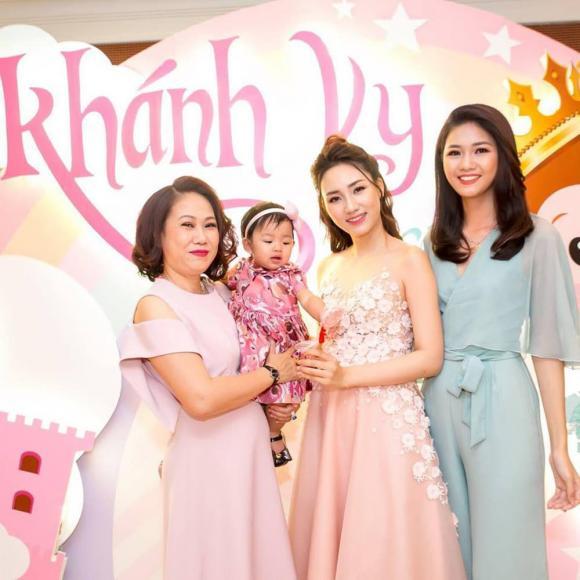 Trà My, Thanh Tú tổ chức sinh nhật cho mẹ, nhan sắc trẻ trung của 2 nàng Á hậu gây chú ý - ảnh 13
