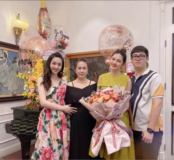 Trà My, Thanh Tú tổ chức sinh nhật cho mẹ, nhan sắc trẻ trung của 2 nàng Á hậu gây chú ý - ảnh 3