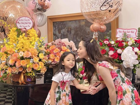 Trà My, Thanh Tú tổ chức sinh nhật cho mẹ, nhan sắc trẻ trung của 2 nàng Á hậu gây chú ý - ảnh 7