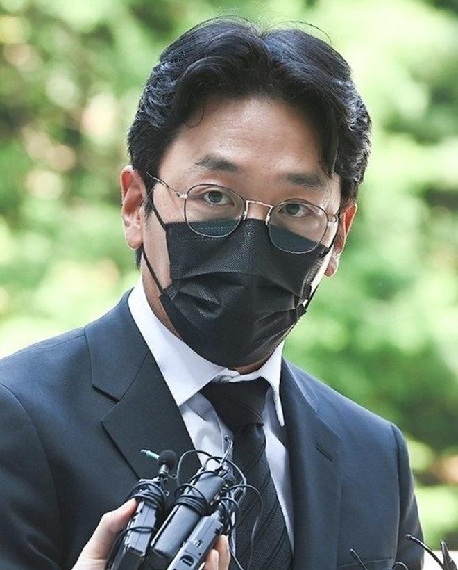 """""""Ông hoàng phòng vé"""" Ha Jung Woo bị phạt hơn 25.000 USD - Giải trí"""