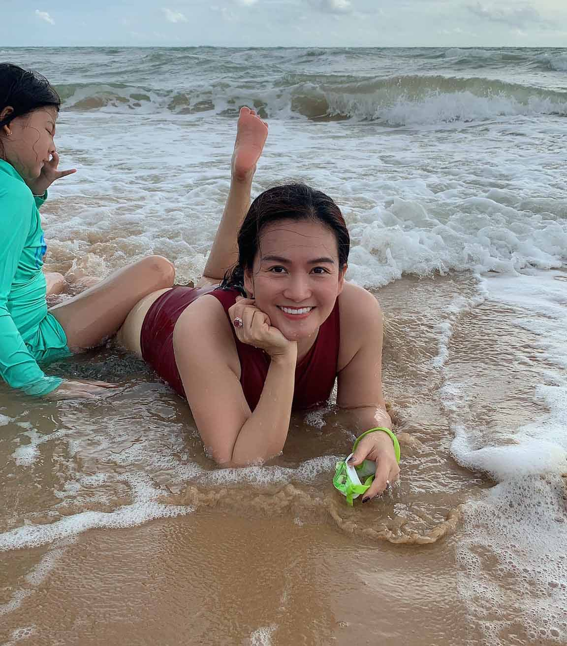 Vợ đại gia của siêu mẫu Bình Minh chăm tập luyện, U50 vẫn nuột nà - ảnh 5
