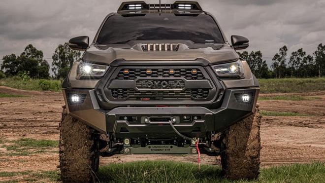 Toyota Hilux độ đầy thuyết phục, đối chọi Ford Ranger Raptor - ảnh 3