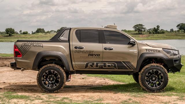 Toyota Hilux độ đầy thuyết phục, đối chọi Ford Ranger Raptor - ảnh 2