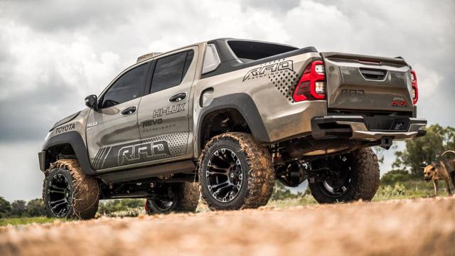 Toyota Hilux độ đầy thuyết phục, đối chọi Ford Ranger Raptor - ảnh 5