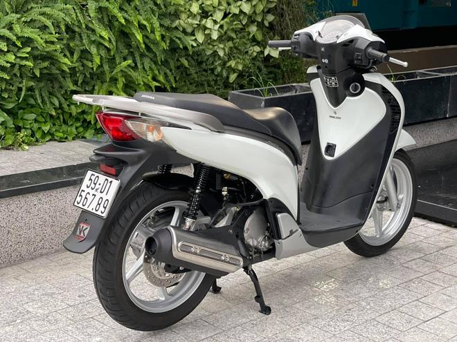Honda SH 150i cũ giá 1 tỷ đồng tìm được người mua sau 4 ngày rao bán, chủ xe ''ra lộc'' 1.000 USD - ảnh 7