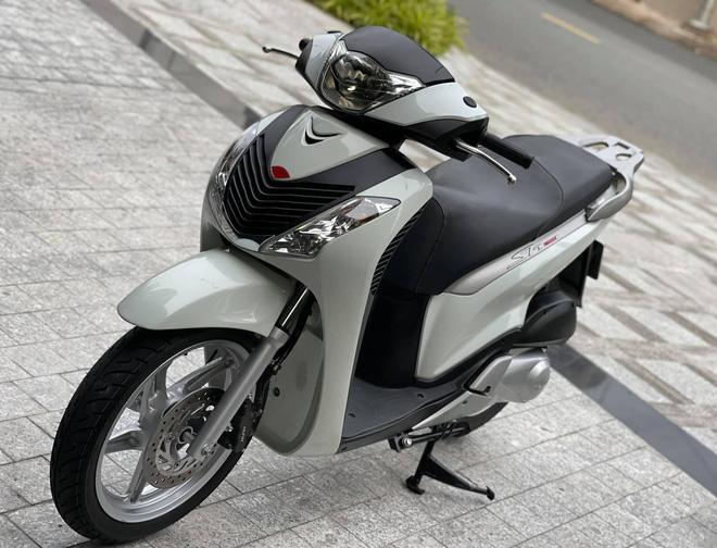 Honda SH 150i cũ giá 1 tỷ đồng tìm được người mua sau 4 ngày rao bán, chủ xe ''ra lộc'' 1.000 USD - ảnh 6