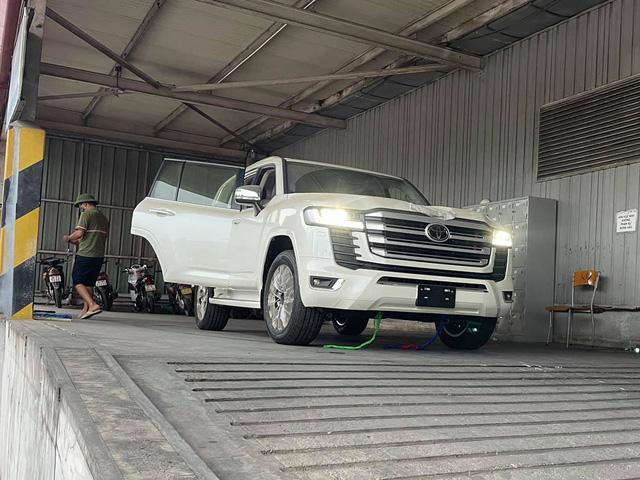 Chi tiết Toyota Land Cruiser 2022 tại Việt Nam - ảnh 23