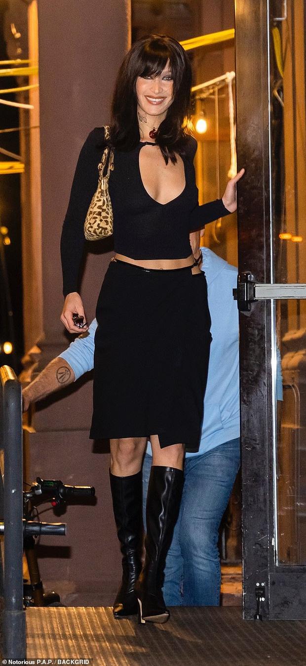 Ngược đời chị em siêu mẫu Hadid ăn sinh nhật: Mẹ bỉm Gigi phía sau chiếm luôn spotlight, hết hồn nhân vật chính Bella như ma-nơ-canh di động - ảnh 9
