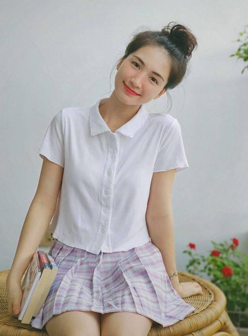 Hòa Minzy mặc đẹp với đồ hơn 100 nghìn đồng - ảnh 3