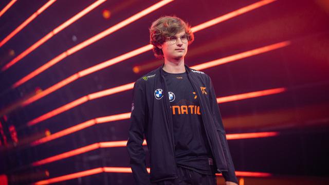Fnatic bất ngờ thông báo mất sự phục vụ của tuyển thủ Upset đến hết vòng bảng CKTG 2021 vì lý do gia đình - ảnh 2