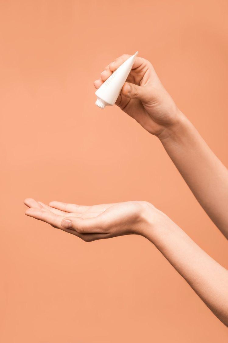 Niacinamide: Siêu thành phần dưỡng da đang là hot trend - ảnh 2