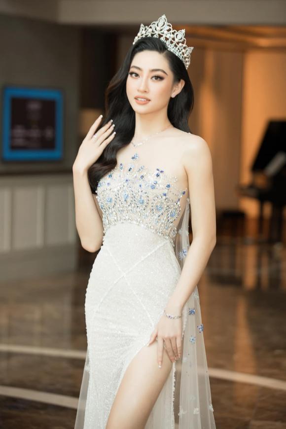 Bị chỉ trích vì hở bạo, Hoa hậu Lương Thùy Linh: Thế nào là 'gái hư'? - ảnh 6