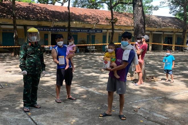Vì sao Công an Ninh Thuận xử phạt người đi xe máy tự phát về quê? - ảnh 2