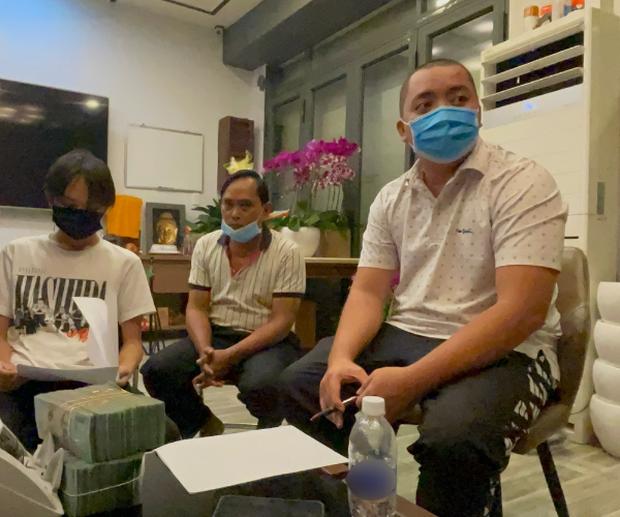 Quản lý cố ca sĩ Phi Nhung ẩn ý sau khi trả lại cát xê cho Hồ Văn Cường: