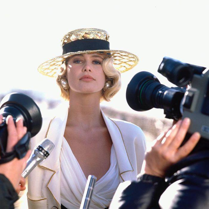 Tuổi 51, siêu mẫu đỉnh cao một thời Claudia Schiffer giờ ra sao? - ảnh 7