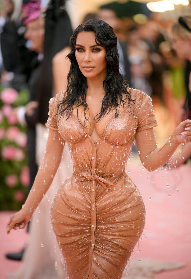 9 bộ đầm xuyên thấu được các người đẹp Hollywood lăng xê - ảnh 17