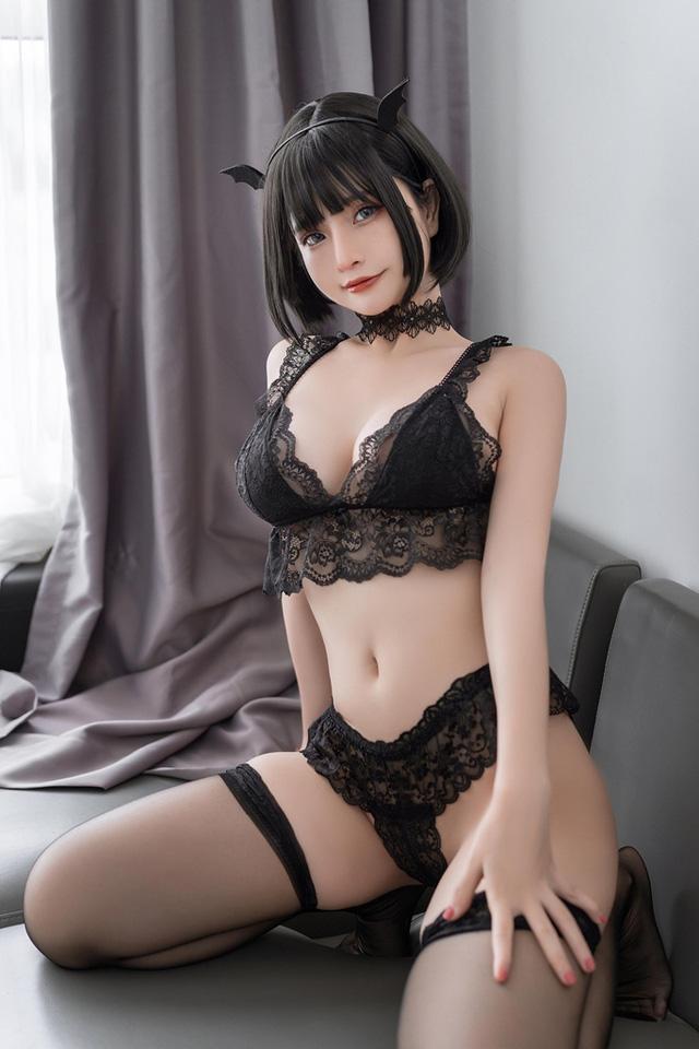 Ngắm nàng Azami trong trang phục nội y ren vô cùng gợi cảm  - ảnh 3