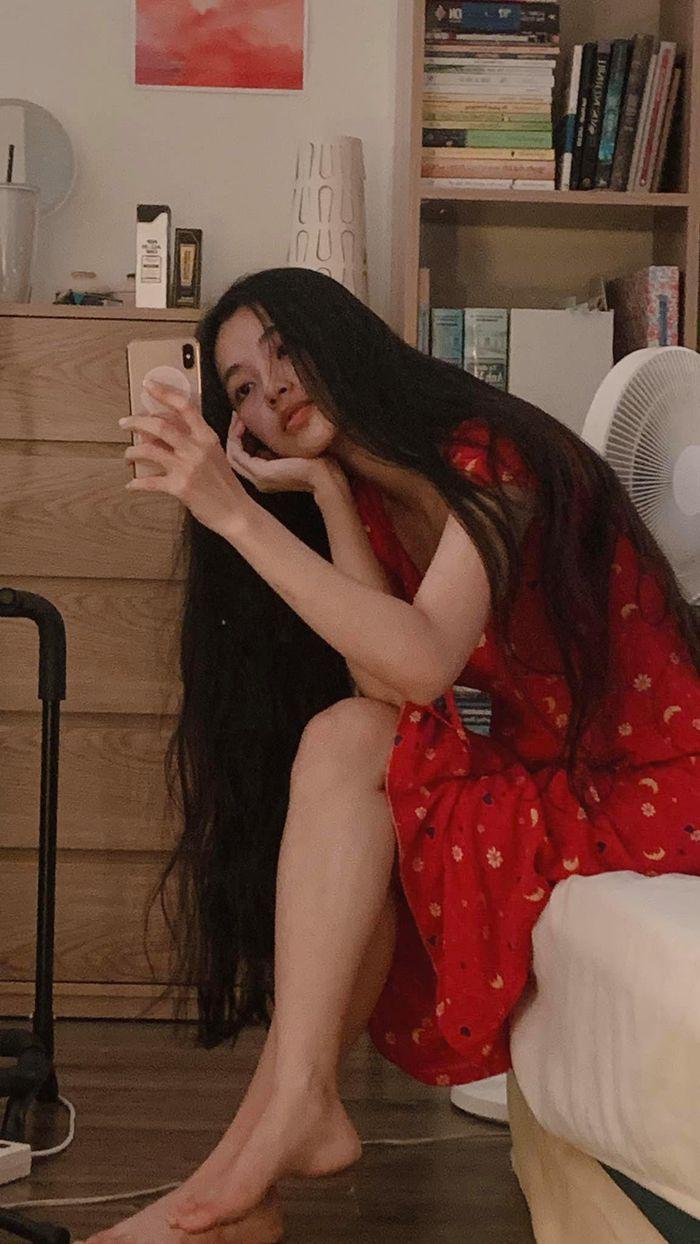'Nữ thần y khoa' khoe khuôn trăng đầy đặn, netizen nhìn mà mê - ảnh 2