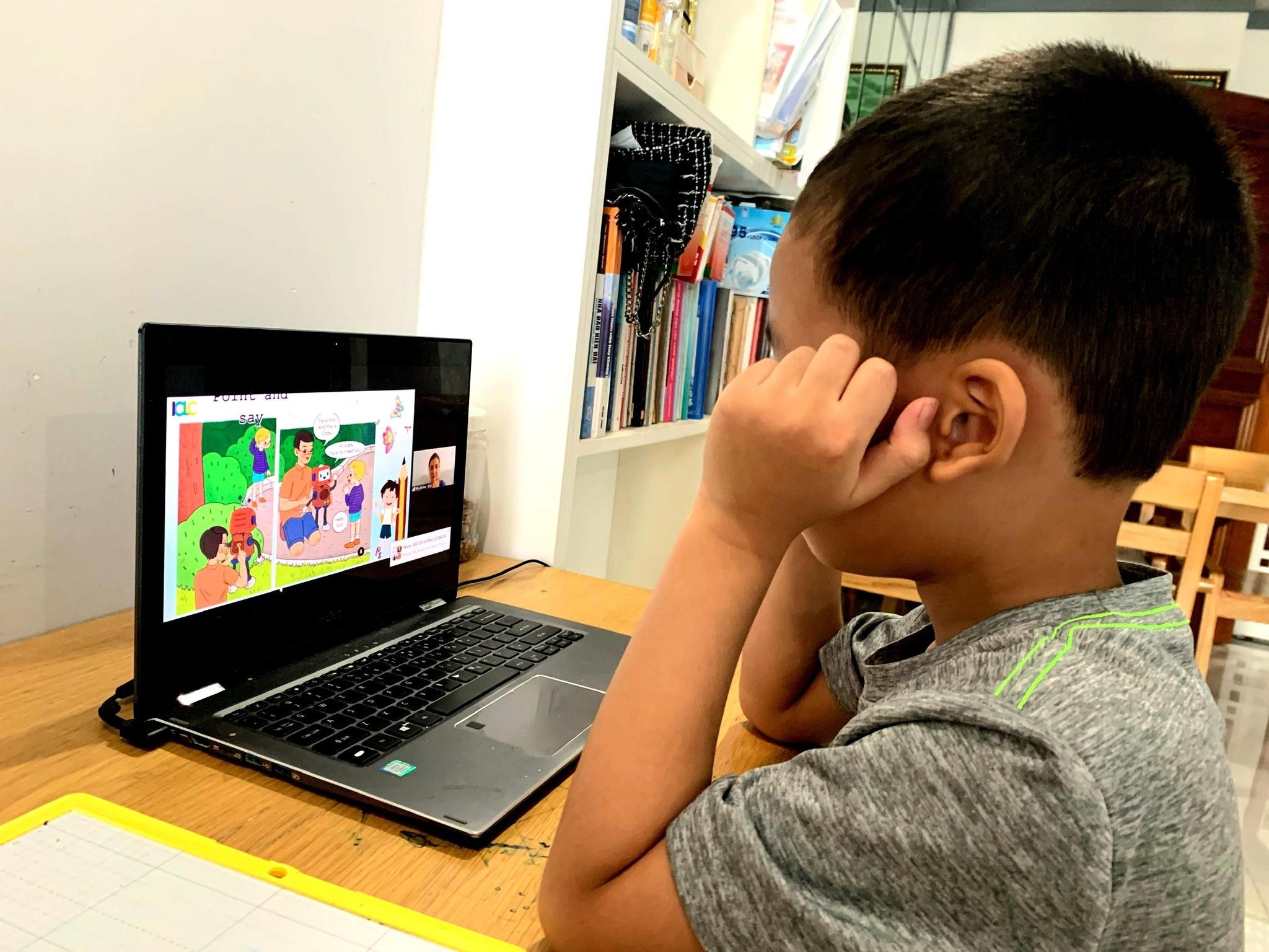 Qua 1 tháng dạy học trực tuyến, nhiều chuyện buồn hơn vui - ảnh 2