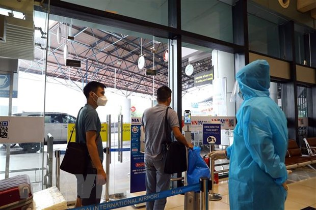 Hà Nội lý giải về việc cách ly tập trung 7 ngày đối với hành khách đi máy bay - ảnh 2