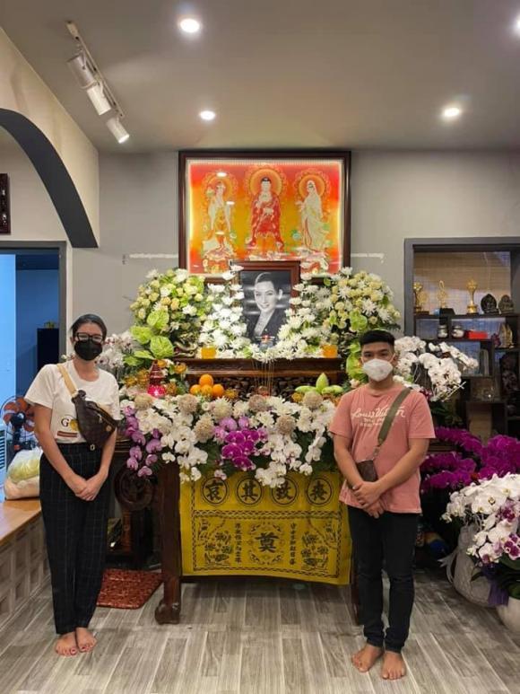Vừa mắng Hồ Văn Cường ''vô ơn'', Trang Trần đến nhà Phi Nhung cùng gia đình cúng thất thứ 2 cho cố ca sĩ - ảnh 6