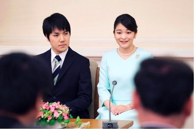 Người Nhật biểu tình, phản đối đám cưới của Công chúa Mako - ảnh 2