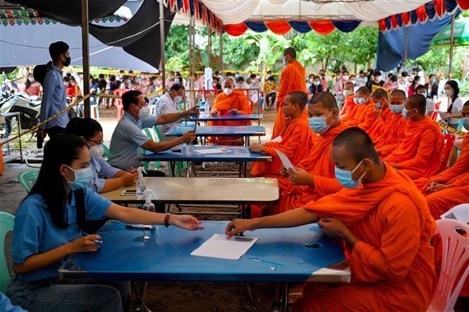 COVID-19 tại ASEAN hết 10/10: Thái Lan thắng lợi với 'hộp cát'; Campuchia sắp 'bình thường mới' - ảnh 7