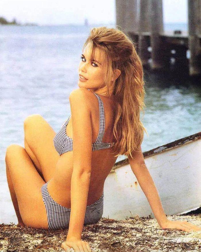 Tuổi 51, siêu mẫu đỉnh cao một thời Claudia Schiffer giờ ra sao? - ảnh 2