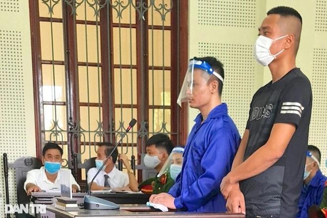 Y án vụ 3 thanh niên ném bom xăng khiến hai mẹ con suýt mất mạng - ảnh 4