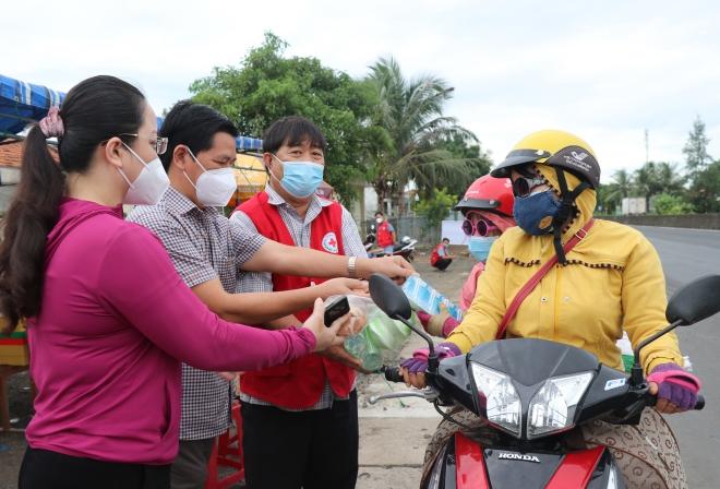 Thủ tướng Phạm Minh Chính: Đổi mới tư duy và biện pháp phòng chống dịch Covid-19 - ảnh 3
